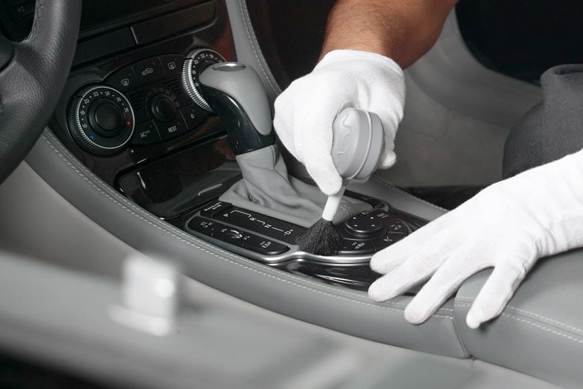 почистване интериор автомобил